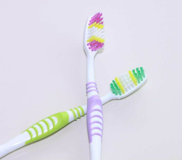 Цветные щетинки зубных щеток. | Фото: Design Newest Online New.