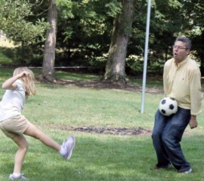 «Отличный удар, дочка!» | Фото: Мужские забавы.