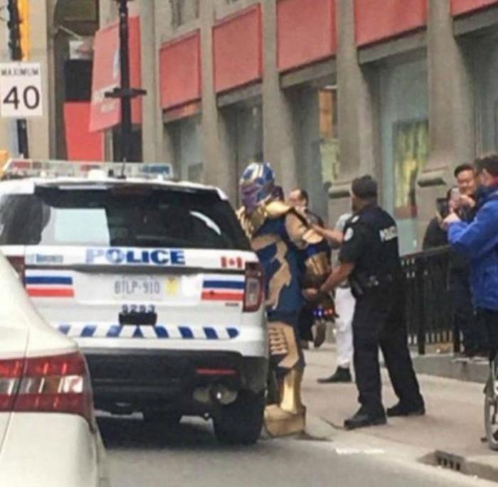 «Нам плевать кто вы! Вы арестованы!» | Фото: Bomba.co.