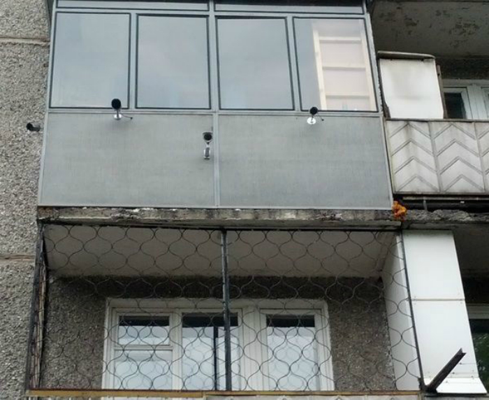 Так выглядит балкон призывника, уклоняющегося от службы.