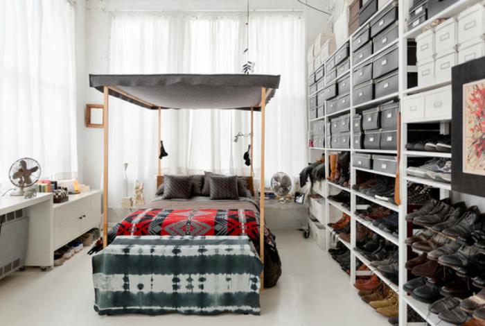 Спальня с гардеробной.