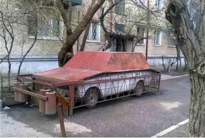 Металлический «чехол» на машину.