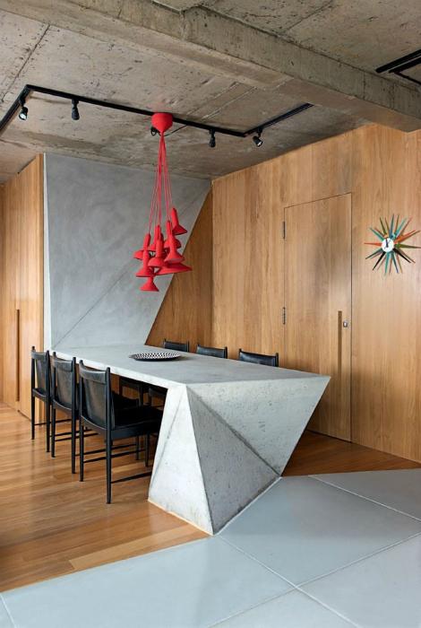 Обеденный стол из бетона.