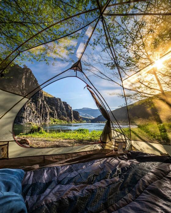 Палатка с прозрачными стенами. | Фото: Pinterest.