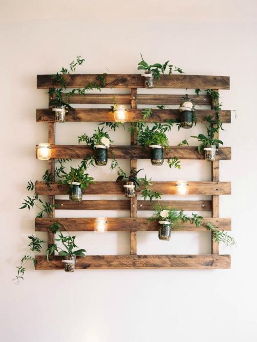 Панно с растениями и подсветкой.