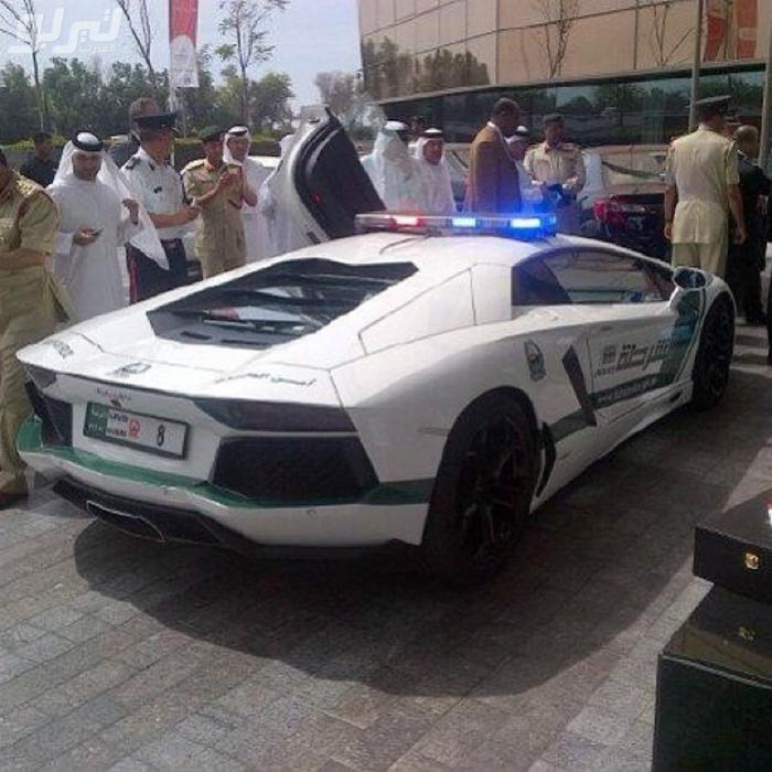 Полицейская машина.