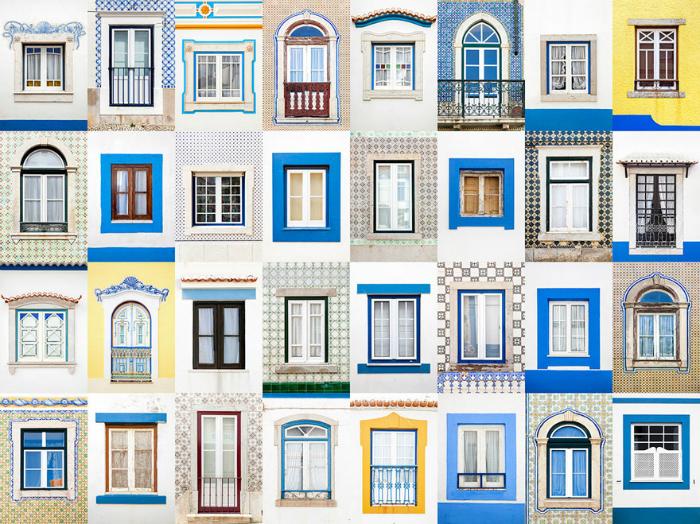 Окна города Эрисейра, Португалия.