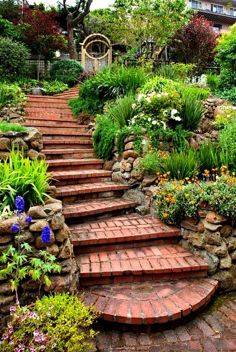 Лестница из тротуарной плитки.