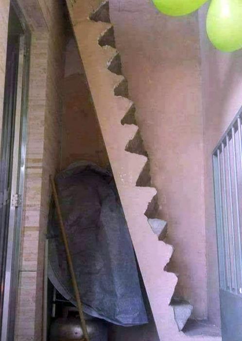 Крутая лестница.