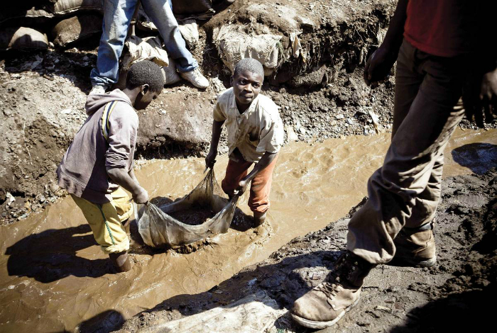 Детский труд в Африке.