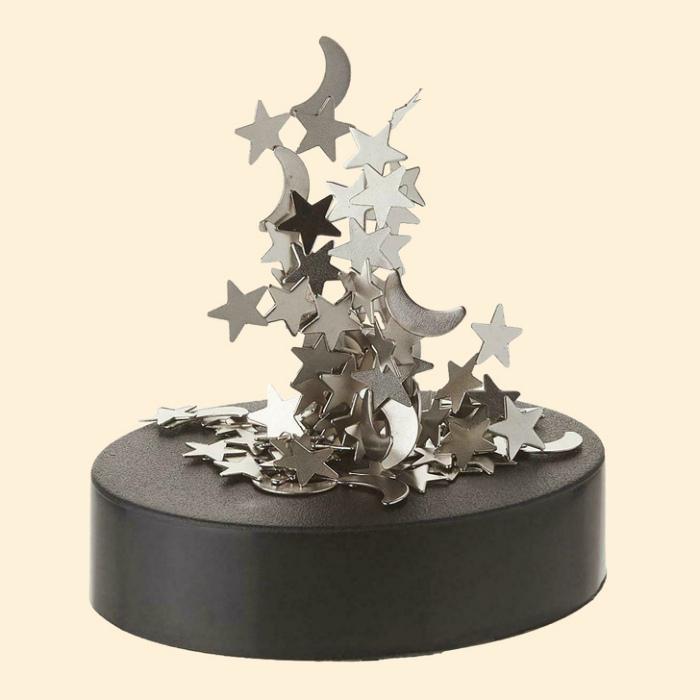 Магнитная статуэтка-антистресс. | Фото: www.bookhook.de.