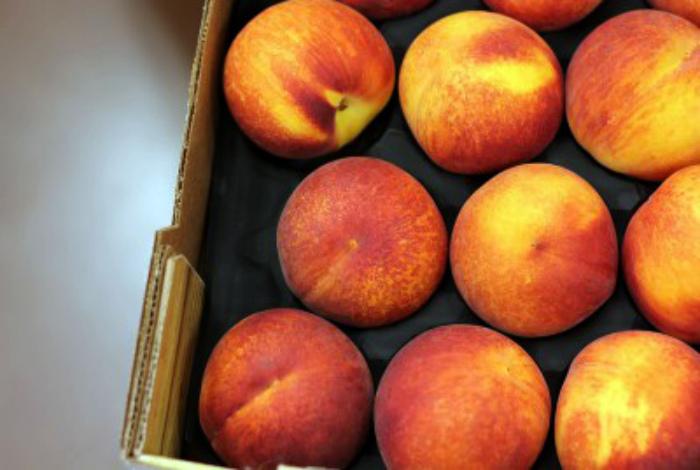 Хранение фруктов с косточками. | Фото: Энциклопедия еды.