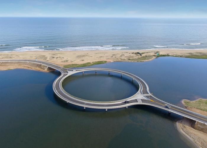 Мост в виде кольца.