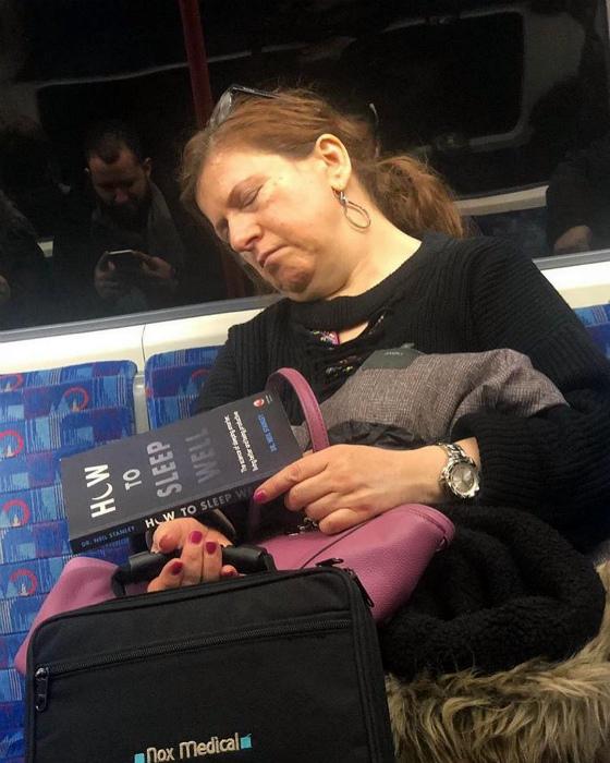 Как спать хорошо? Да просто, ложишься и спишь! | Фото: feedolist.
