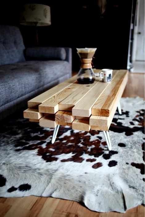 Минималистичный стол из досок. | Фото: Pinterest.