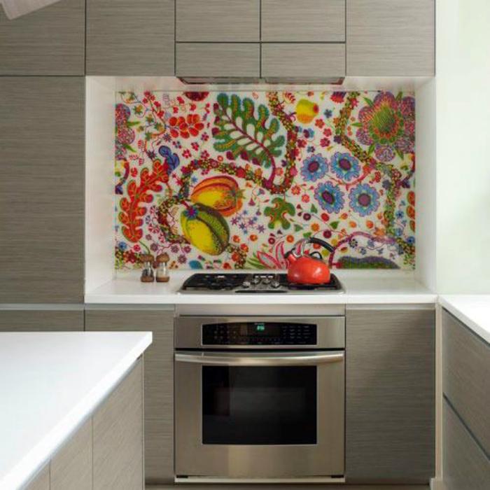 Мозаичная картина на кухне.