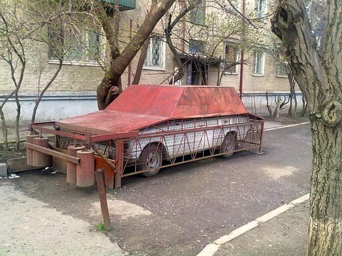 Солидное парковочное место. | Фото: Taringa!