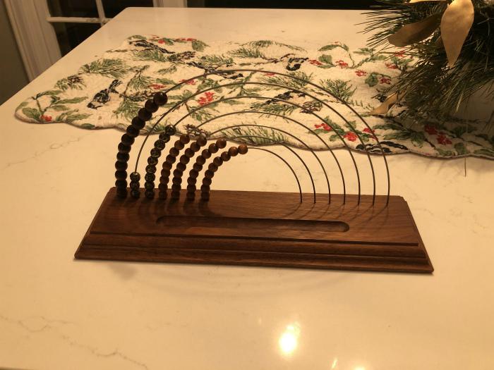 Загадочная штуковина в подарок.   Фото: Reddit.