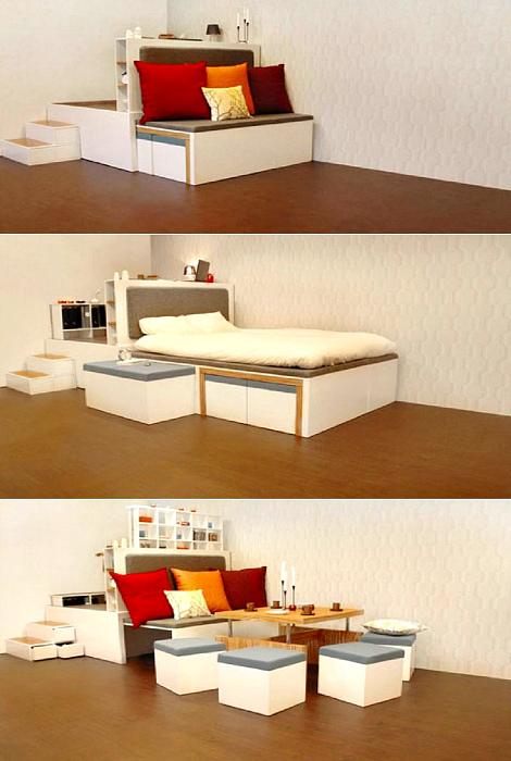 Маленький диванчик-трансформер.