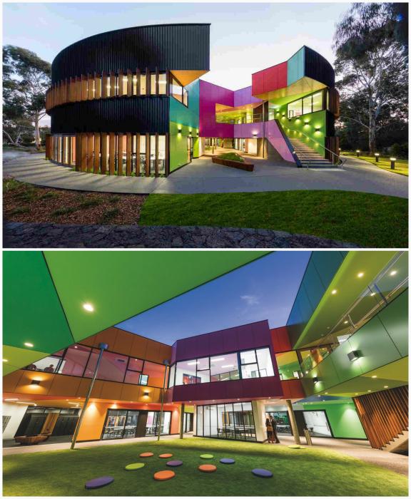 Футуристический дизайн здания старшей школы в Мельбурне.