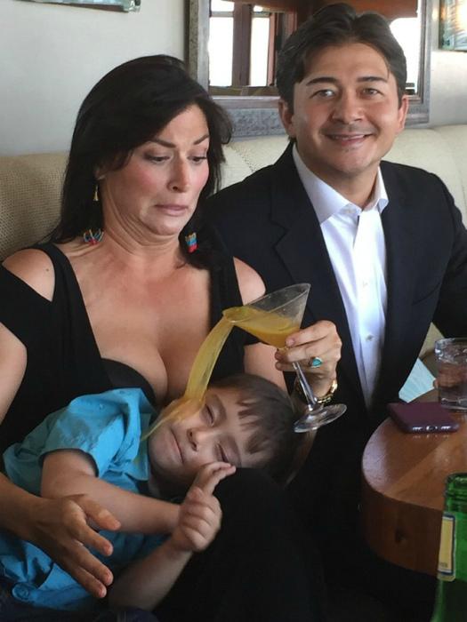«На, сынок, выпей сока!» | Фото: Kontraband.
