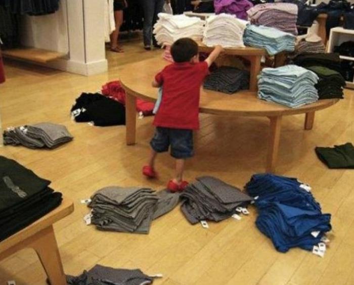 Ребенок навел порядок.
