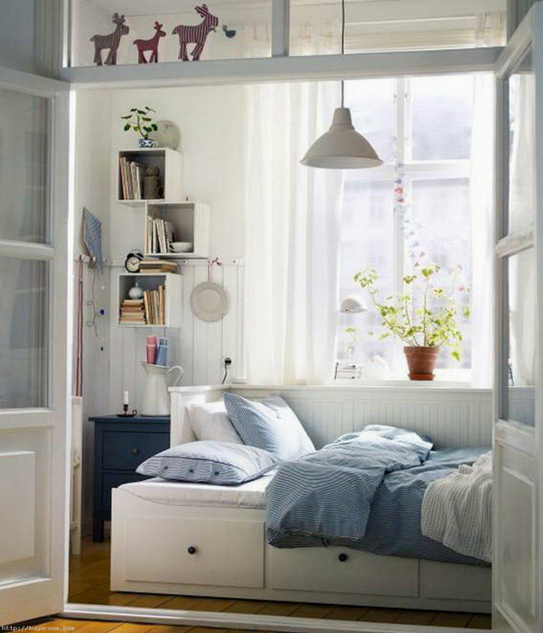 Спальня на балконе.