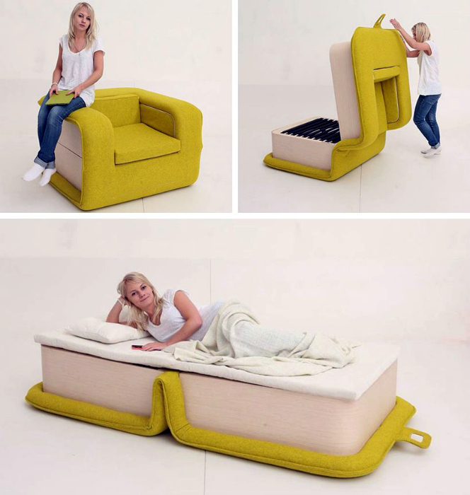 Яркое кресло-кровать.