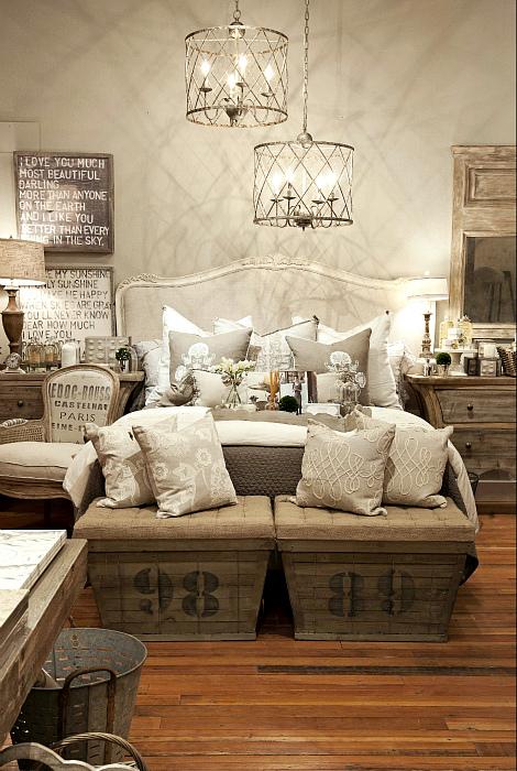 Уютный самодельный диванчик. | Фото: Bedroom Ideas.