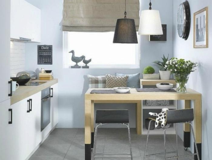 Светлая кухня в стиле кантри.