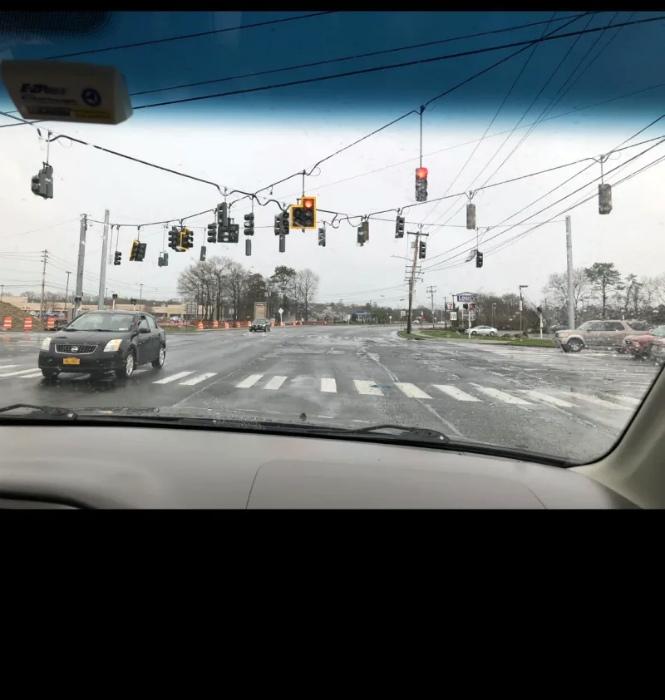 Не слишком ли много светофоров на один перекресток? | Фото: 1GAI.ru.