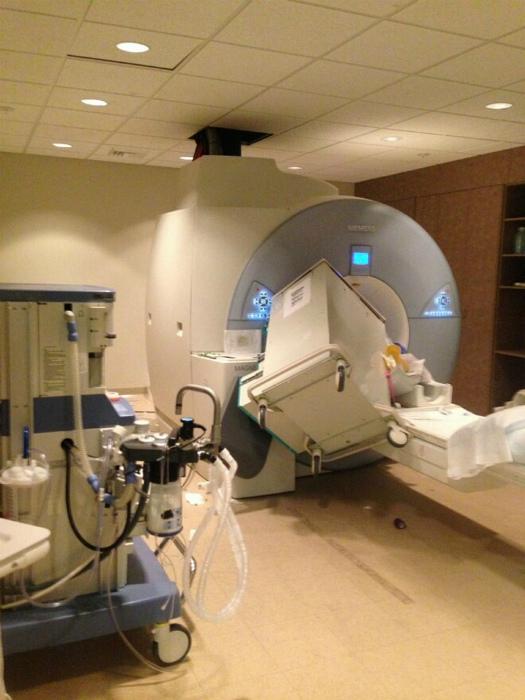 Неприятность с аппаратом МРТ.