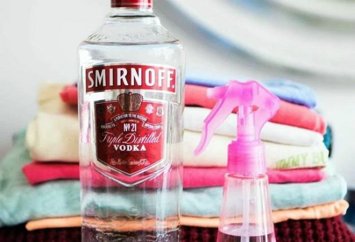 Освежить одежду без стирки. | Фото: от 123ru.net.