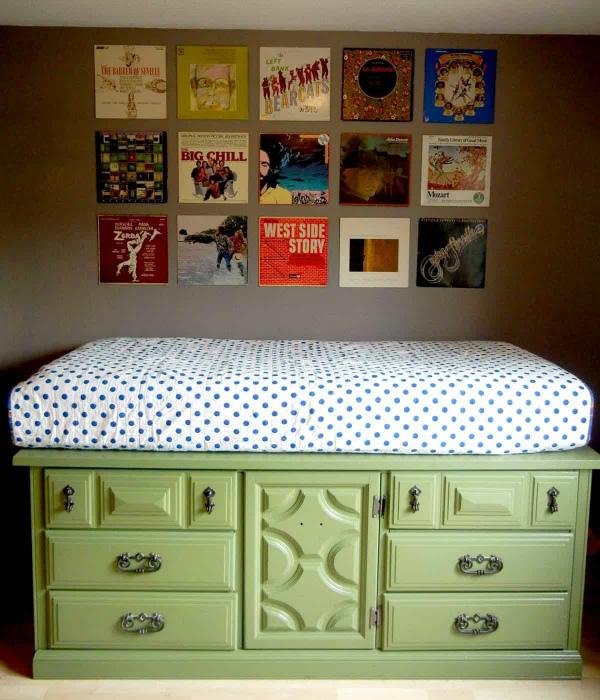 Низкий комод-диванчик. | Фото: Pinterest.