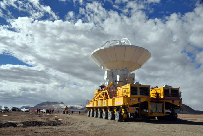 Транспортировка объекта. | Фото: Popular Science.