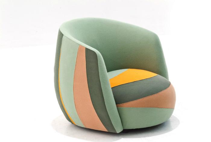 Уютное кресло в стиле пэчворк.