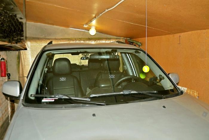 Маркерный подвес в гараже.