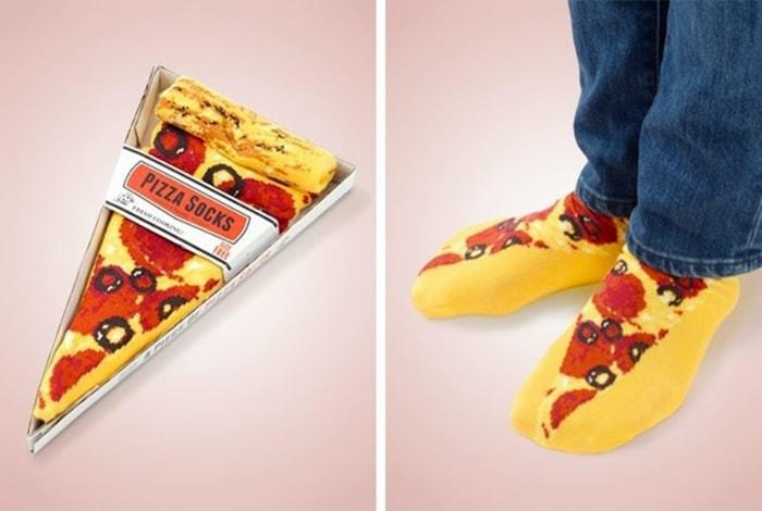 Носки с изображением кусочков пиццы.