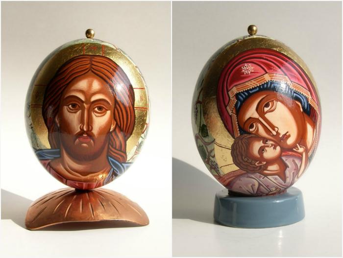 Лики святых на яйцах.