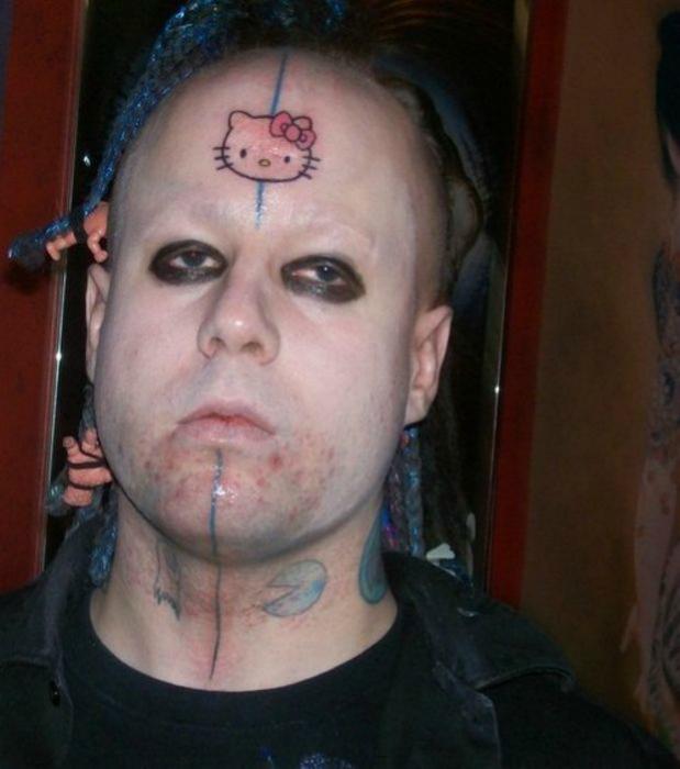 Татуировка с изображением Китти.