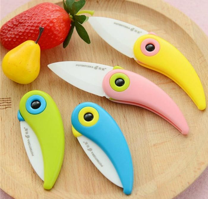 Яркий керамический нож. | Фото: Piknow instagram viewer, downloader.