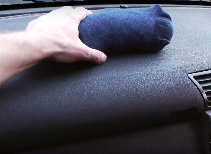 Предотвратить запотевание окон в автомобиле.