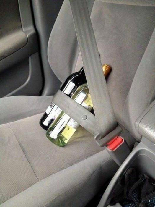 Еще один способ использования ремней безопасности. | Фото: Pinterest.