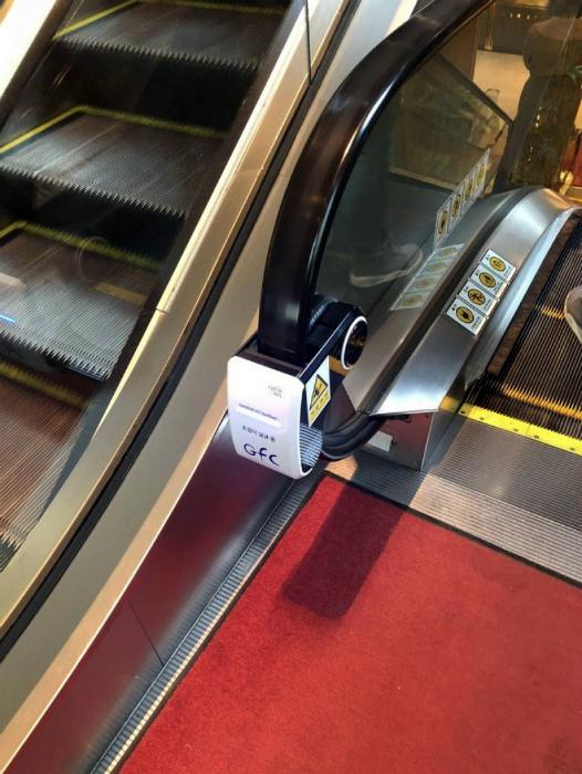 Устройство для очистки перил. | Фото: Bomba.co.