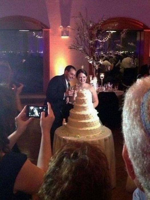 Торт вместо платья? | Фото: BuzzFeed.