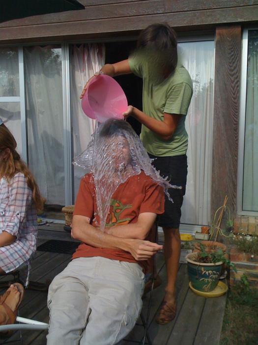 «Дружок, пора помыться!» | Фото: Izismile.com.