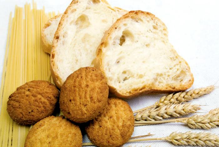 Белый хлеб, макароны и мучные изделия.