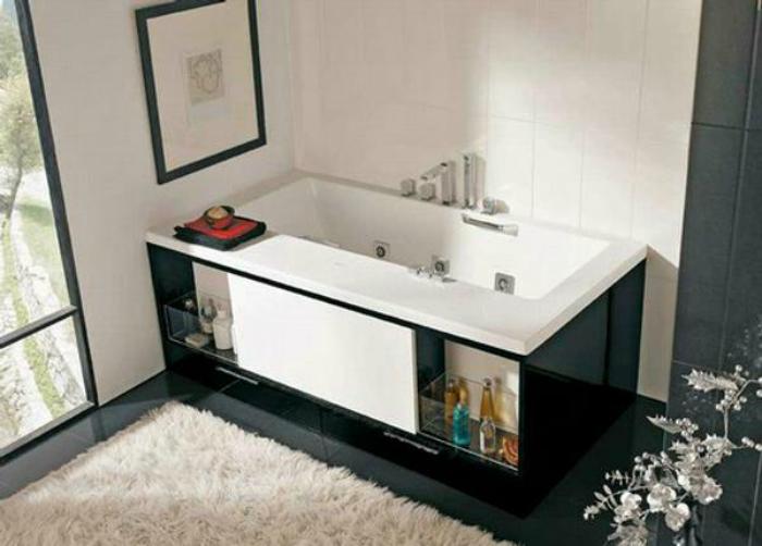 Черно-белый экран под ванну.