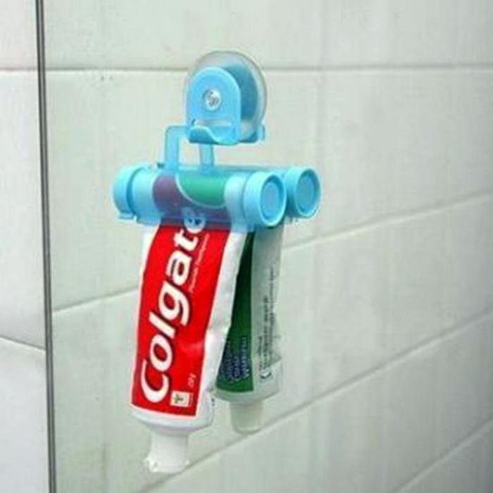 Настенный держатель для зубной пасты.