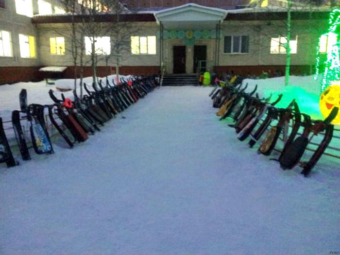 Парковка зимнего транспорта.
